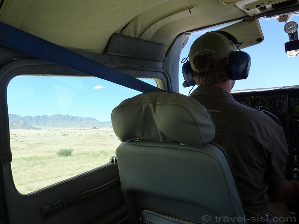 Abflug von der Landebahn der Sossusvlei Lodge
