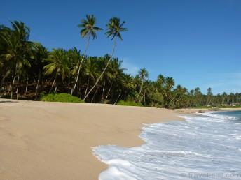 Traumstrand Sri Lanka vom Meer aus