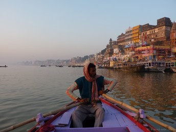 Varanasi Ruderboot im Ganges