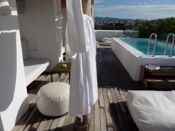 HM Balanguera Pool und Lounge