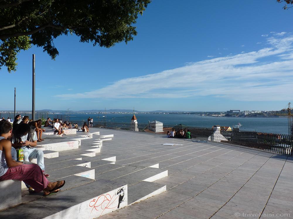 Miradouro de Santa Catarina Lissabon