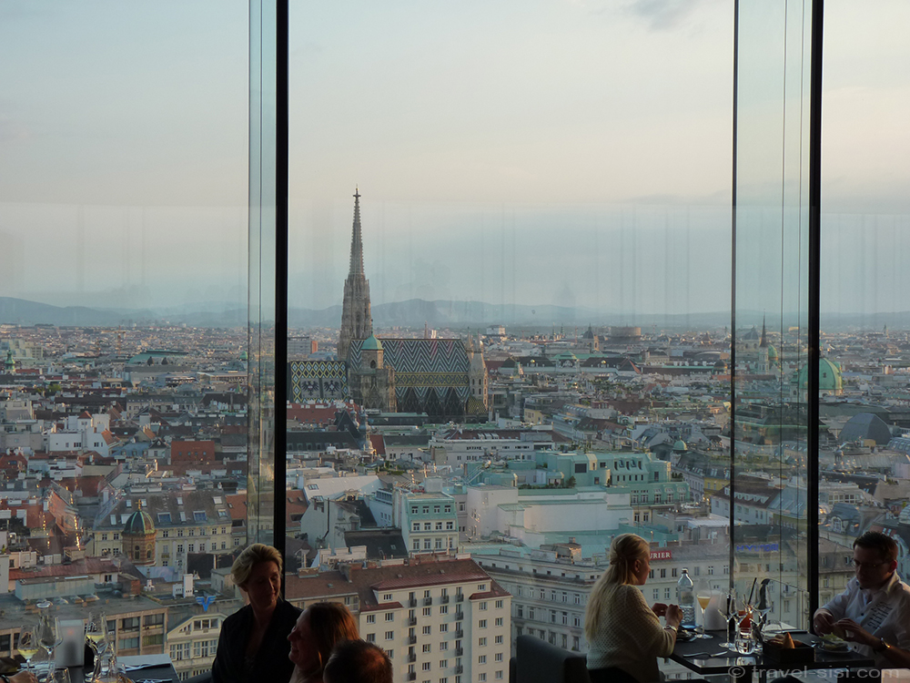 Bar im Sofitel in Wien