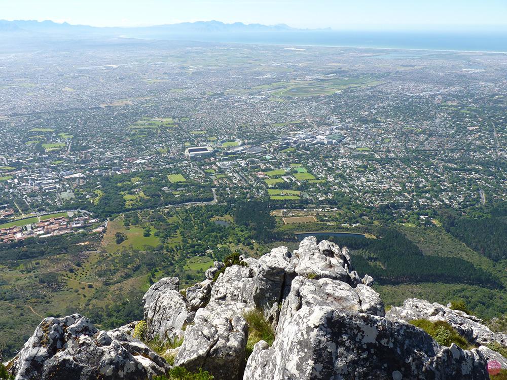 Blick vom Devils Peak auf die False Bay