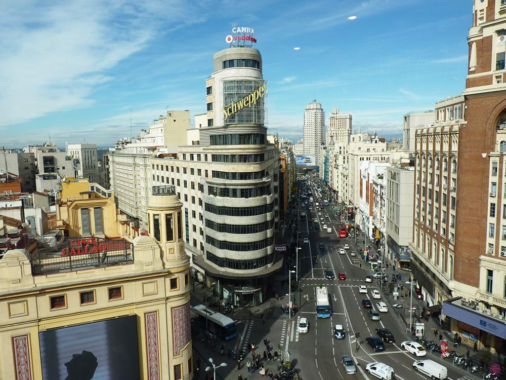 Reisetipps Madrid Aussicht auf die Gran Via vom Corte del Ingles