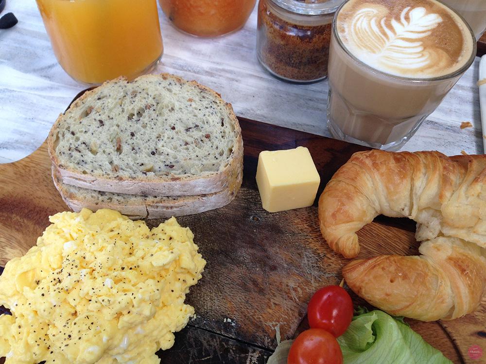 Mein perfekter Tag in Canggu Frühstück im Mr Spoon