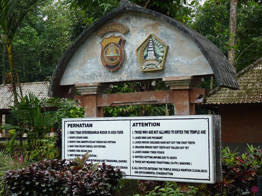 Mit Kleinkind in Bali Pura Luhur Batukau