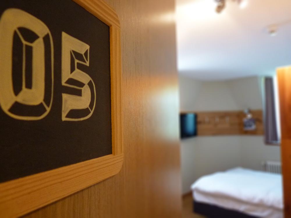 Hotel Alpenblick Bern Blick ins Zimmer