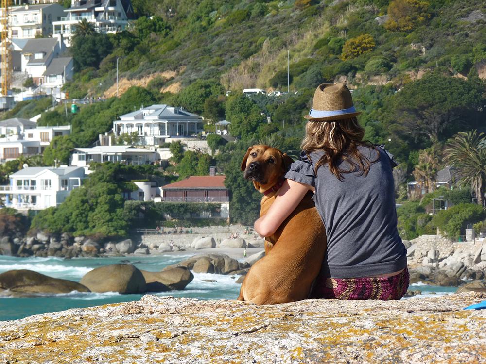 Travel Sisi mit ihrem Hund in Clifton Südafrika