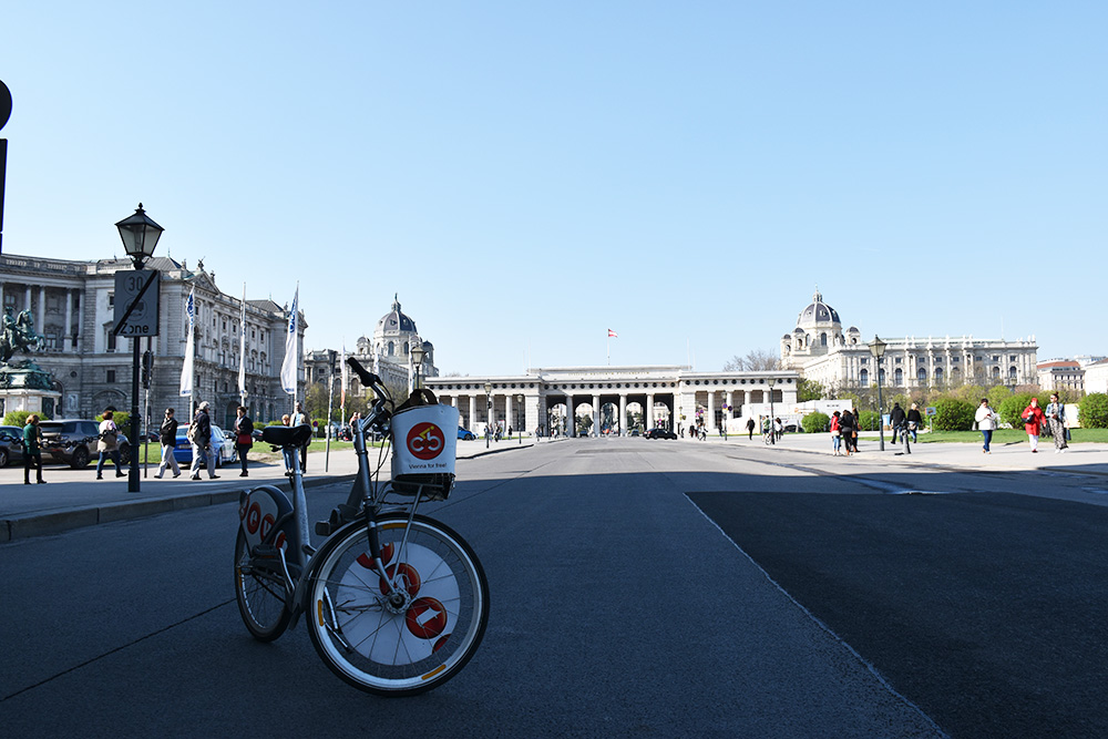 Insidertipps Wien mit dem Fahrrad zur Hofburg