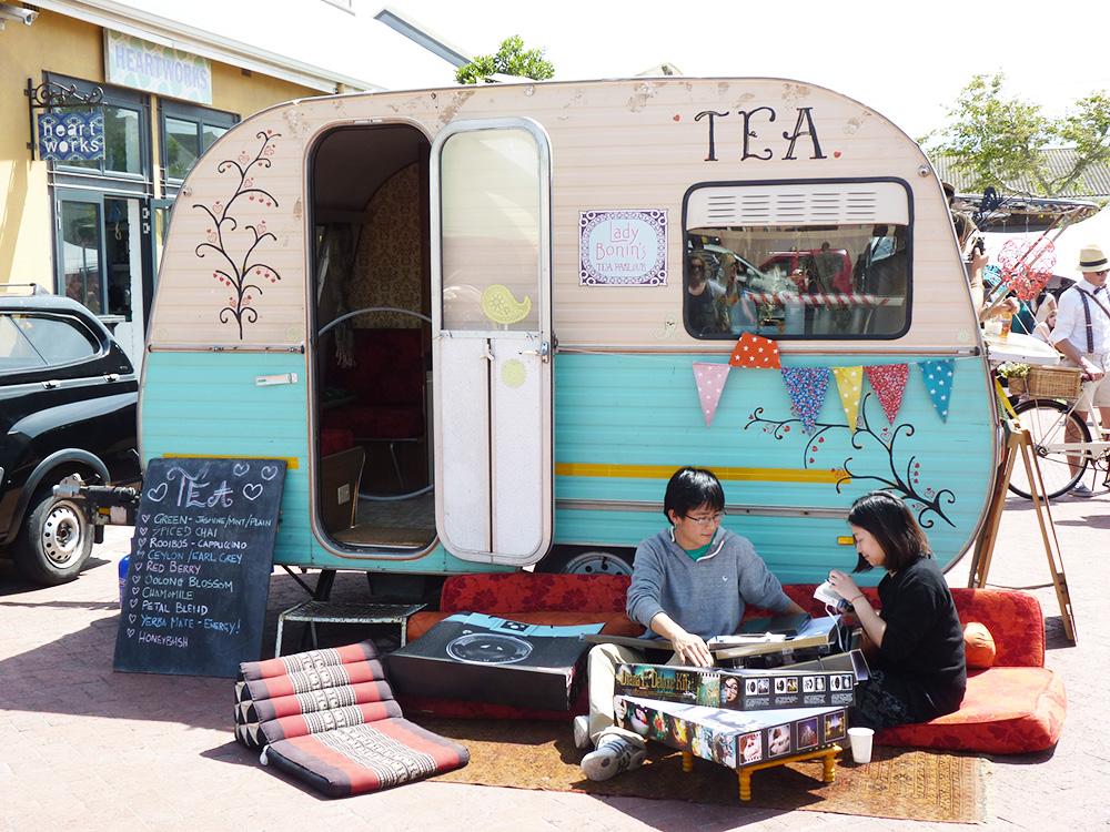 Kapstadts beste Märkte Neighbourgoods Markt Woodstock Tee