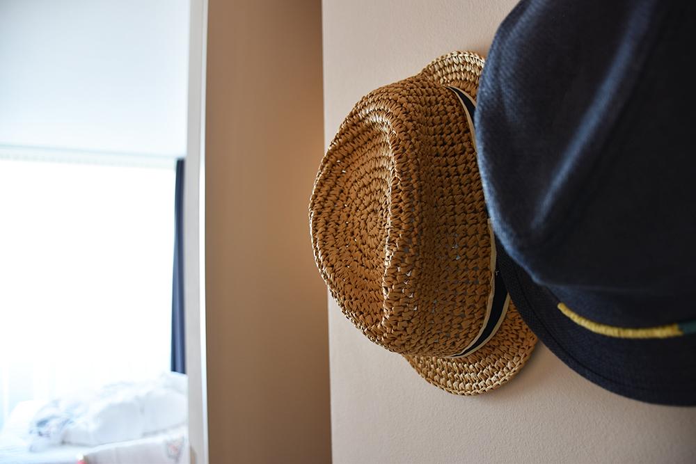 Hoteltipp Nomad Basel Hüte im Zimmer