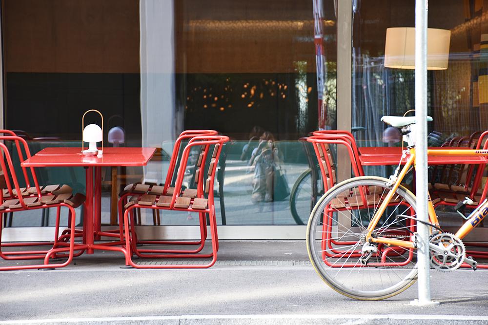 Hoteltipp Nomad Basel Terrasse mit Fixie