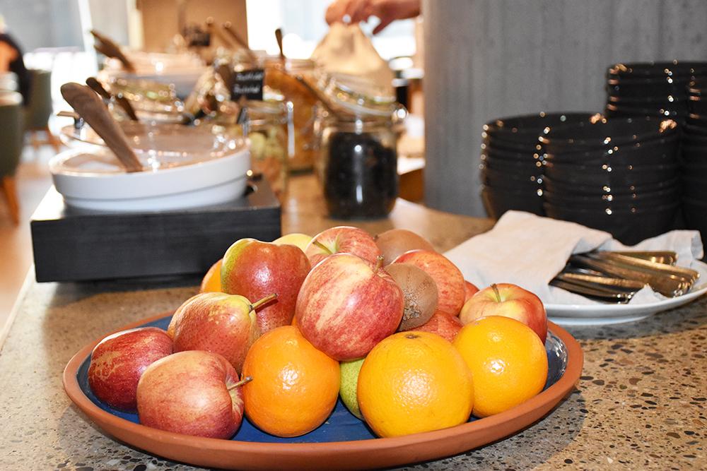 Hoteltipp Nomad Basel frische Früchte zum Frühstück