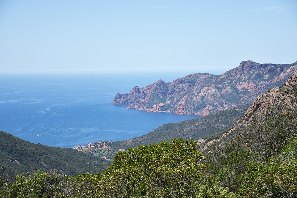 Reisetipps Korsika Sichts aufs Meer vom Col de Palmarella