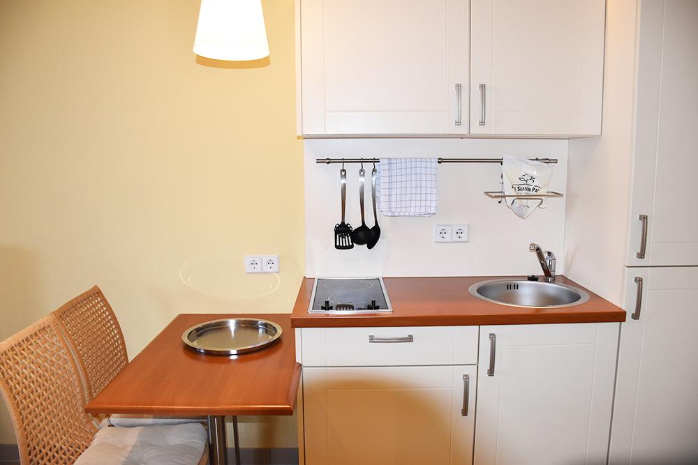 Aparthotel Seepanorama Mirow Küchenzeile