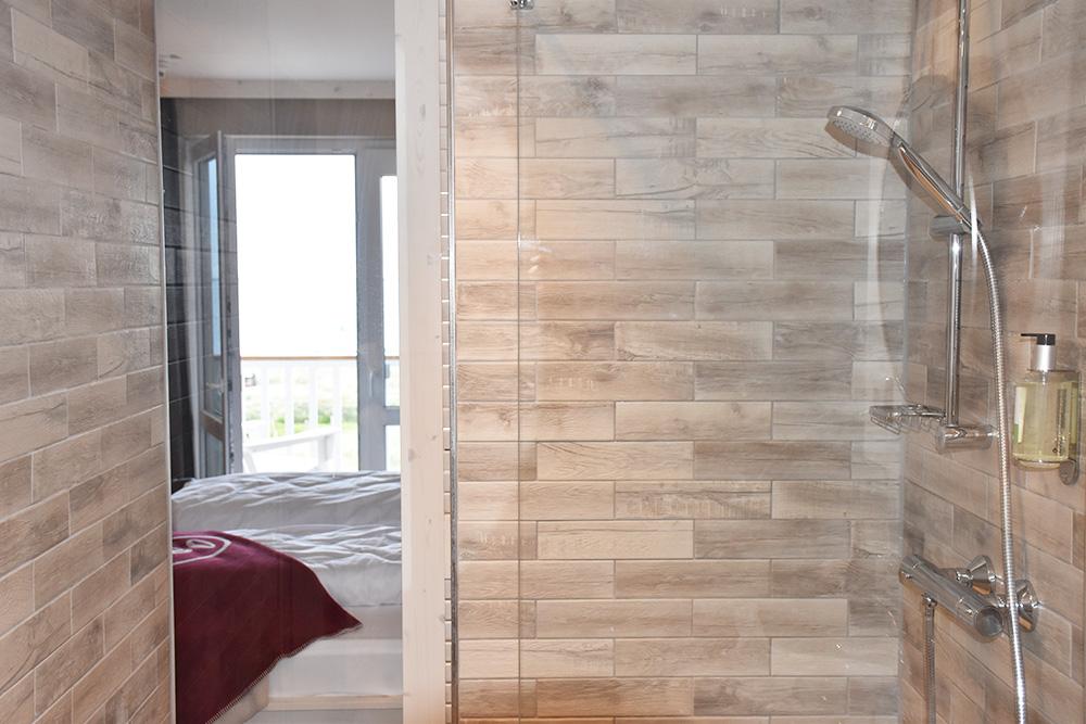Beach Motel Heiligenhafen Blick vom Badezimmer ins Zimmer