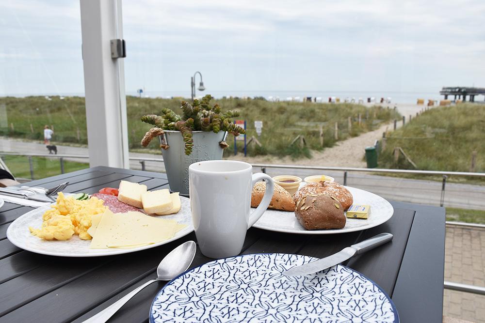 Beach Motel Heiligenhafen Frühstück Mit Blick Aufs Meer