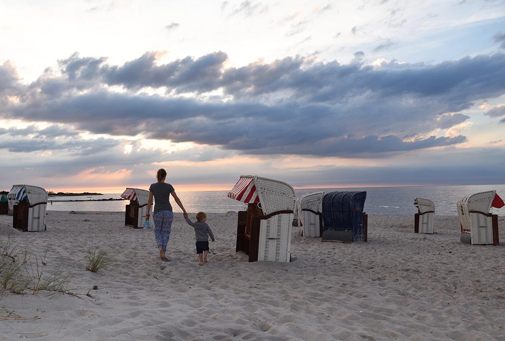 Beach Motel Heiligenhafen Sonnenuntergang am Strand von Heiligenhafen