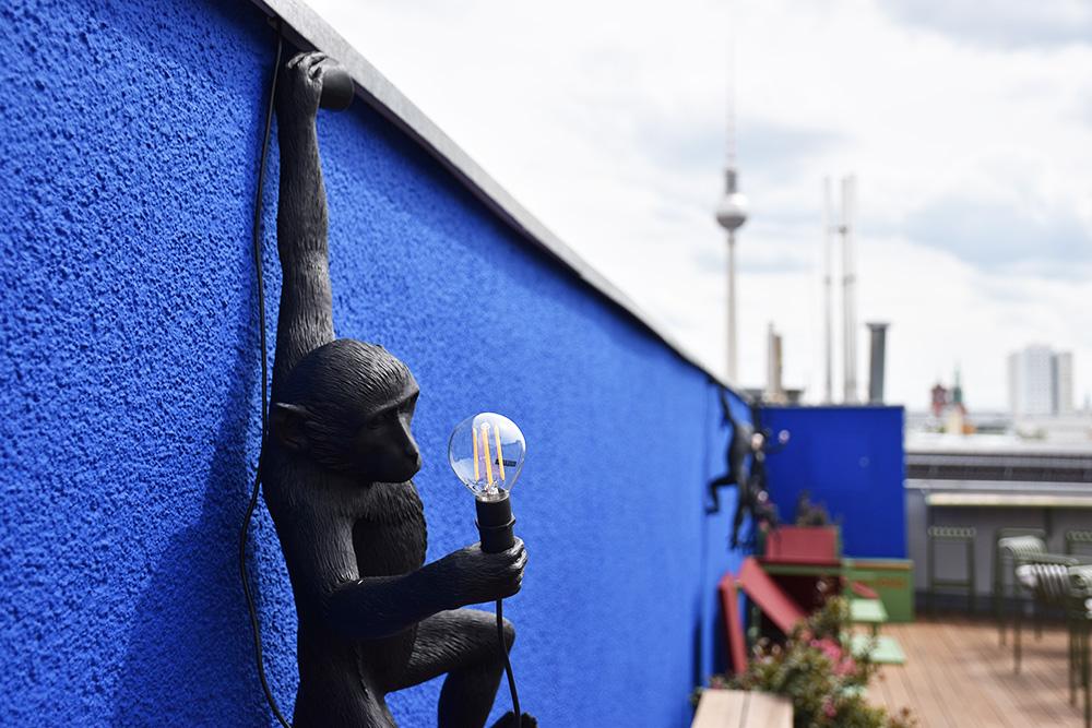 Circus Hotel Berlin Affenlampe Rooftop Terrace