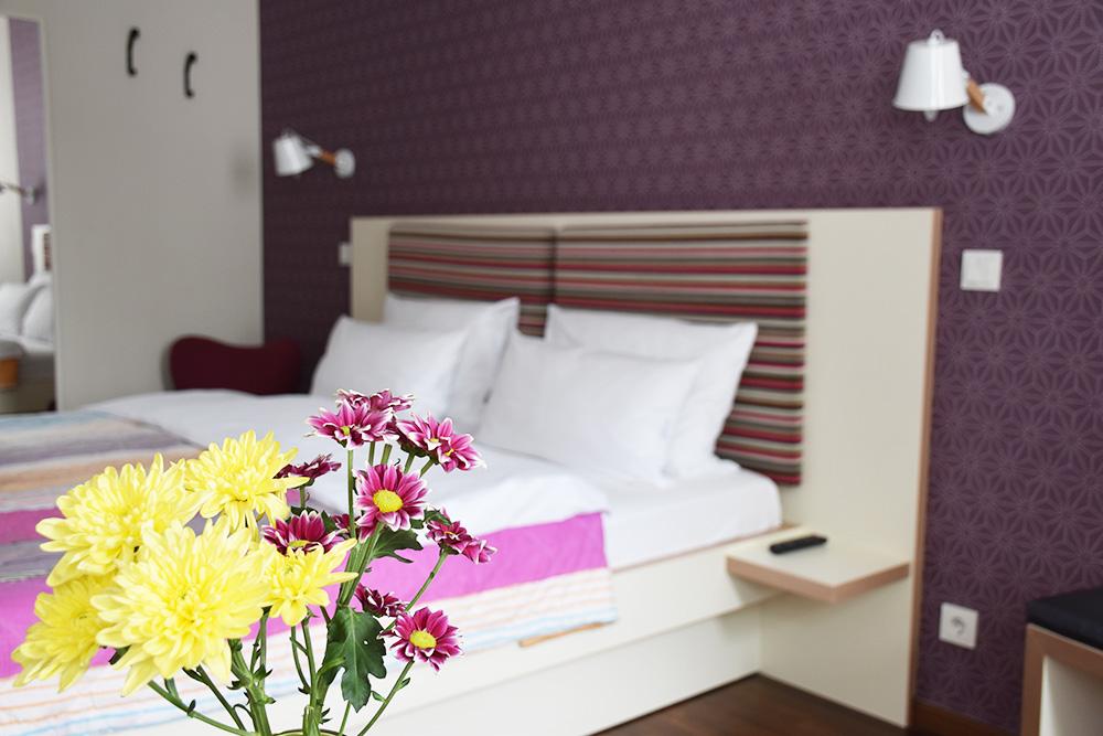 Circus Hotel Berlin Bett im Zimmer
