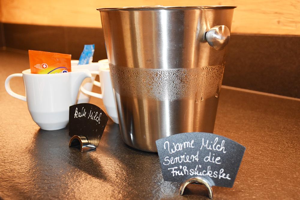Gorfion das Familienhotel warme Milch von der Frühstücksfee