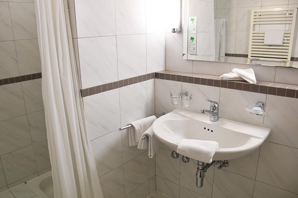 Hotel Serpiano Tessin Badezimmer