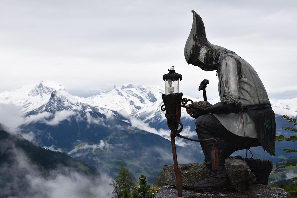 Panoramagasthof Kristberg Bergarbeiter mit Schneebergen