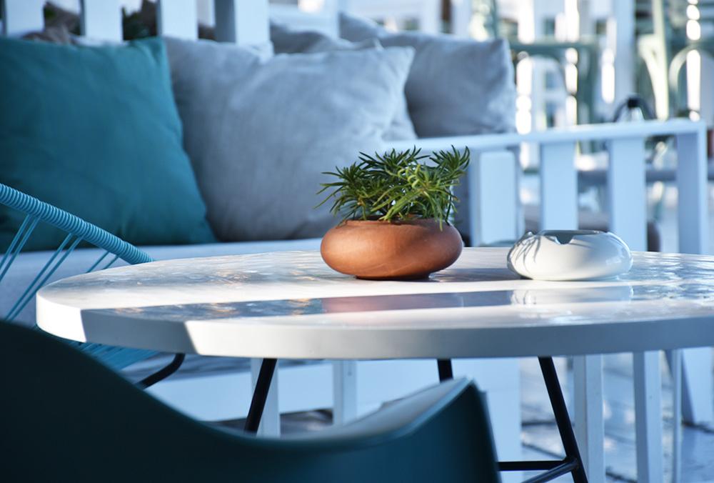 Ekies All Senses Resort Lounge auf der Barterrasse