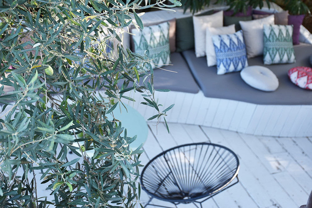 Ekies All Senses Resort Olivenbaum und Lounge