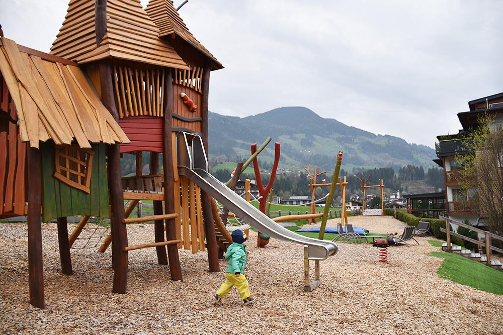 Reisen mit Kleinkind Kinderhotel Alpina Zillertal