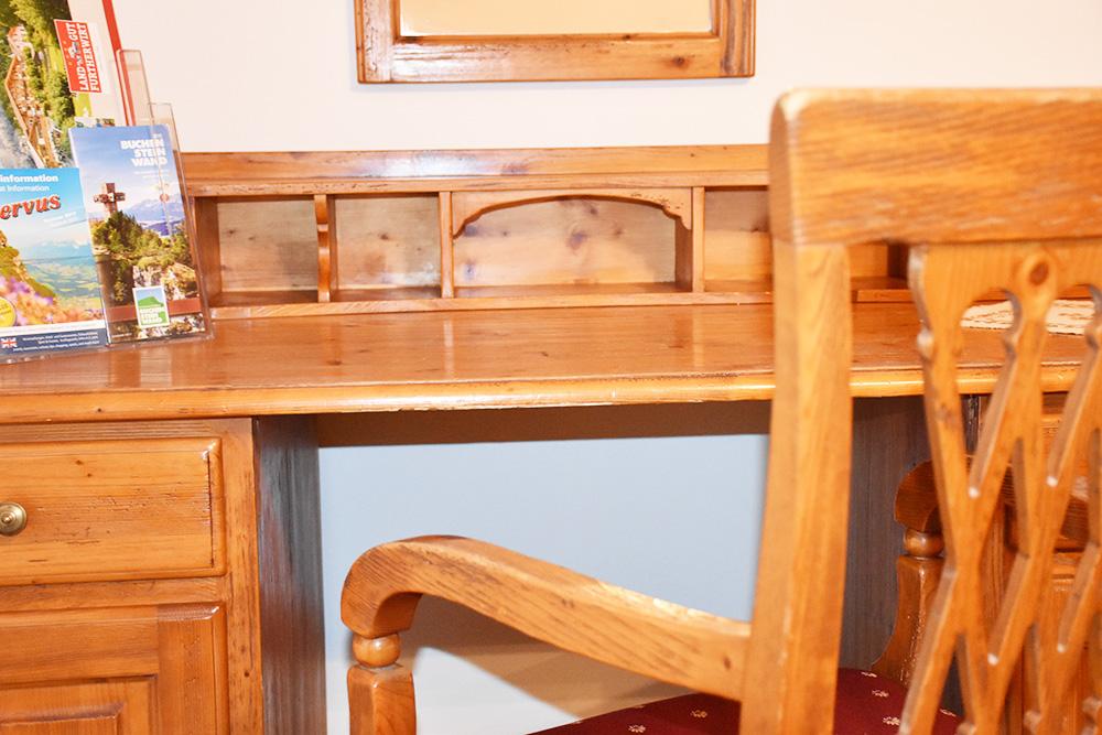 Familotel Landgut Furtherwirt Schreibtisch im Doppelzimmer