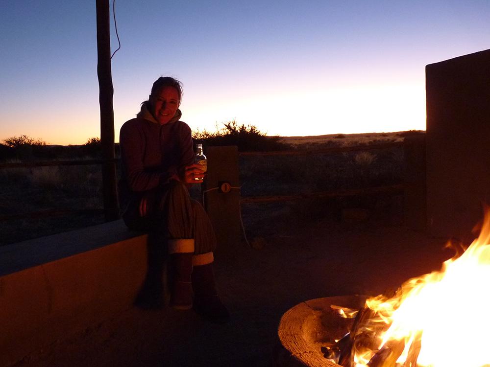 Wie Namibia mein Leben veränderte Abendessen am offenen Feuer