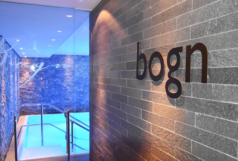 Bergspa Hotel LA VAL Hoteltipp Brigels Schwimmbad
