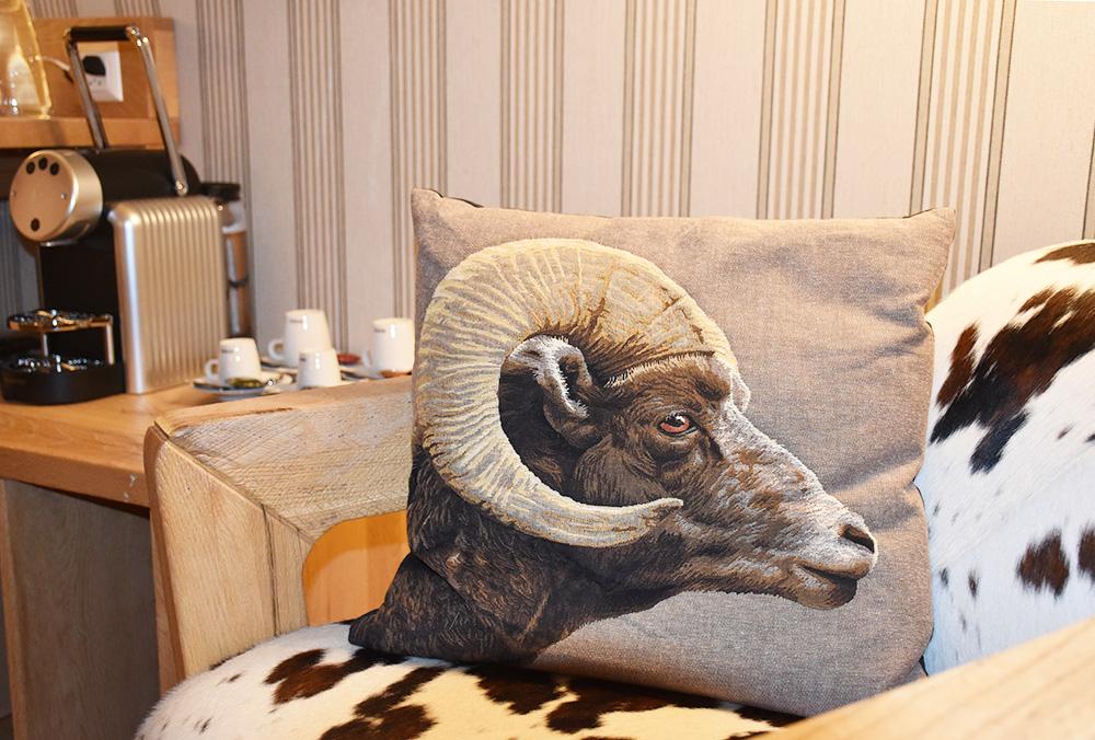 Bergspa Hotel LA VAL Hoteltipp für Brigels Nespresso Maschine im Zimmer