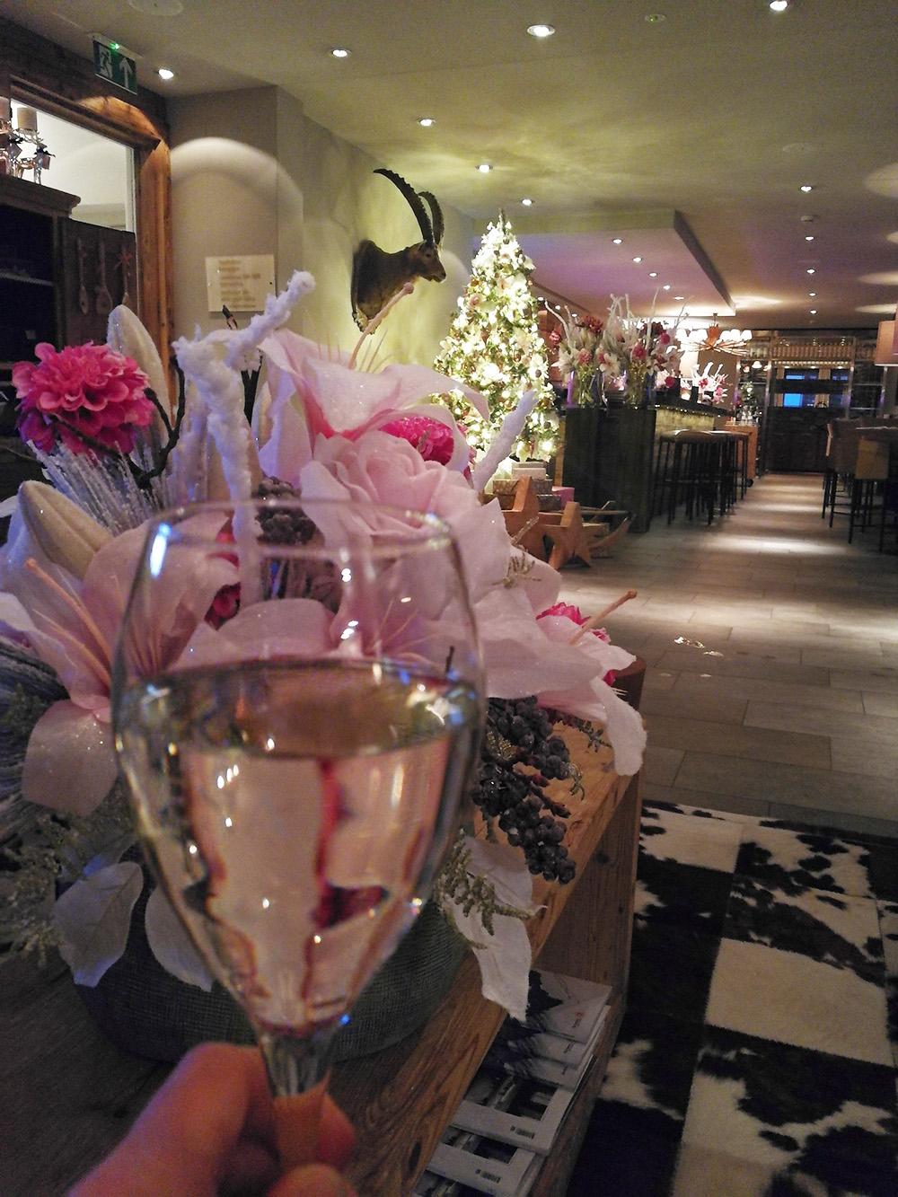 Bergspa Hotel LA VAL Hoteltipp für Brigels Prosecco zum Checkin