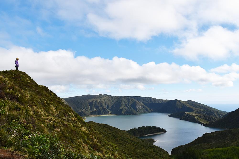 São Miguel Azoren Reisetipps Travel Sisi blickt auf Lagoa do Fogo