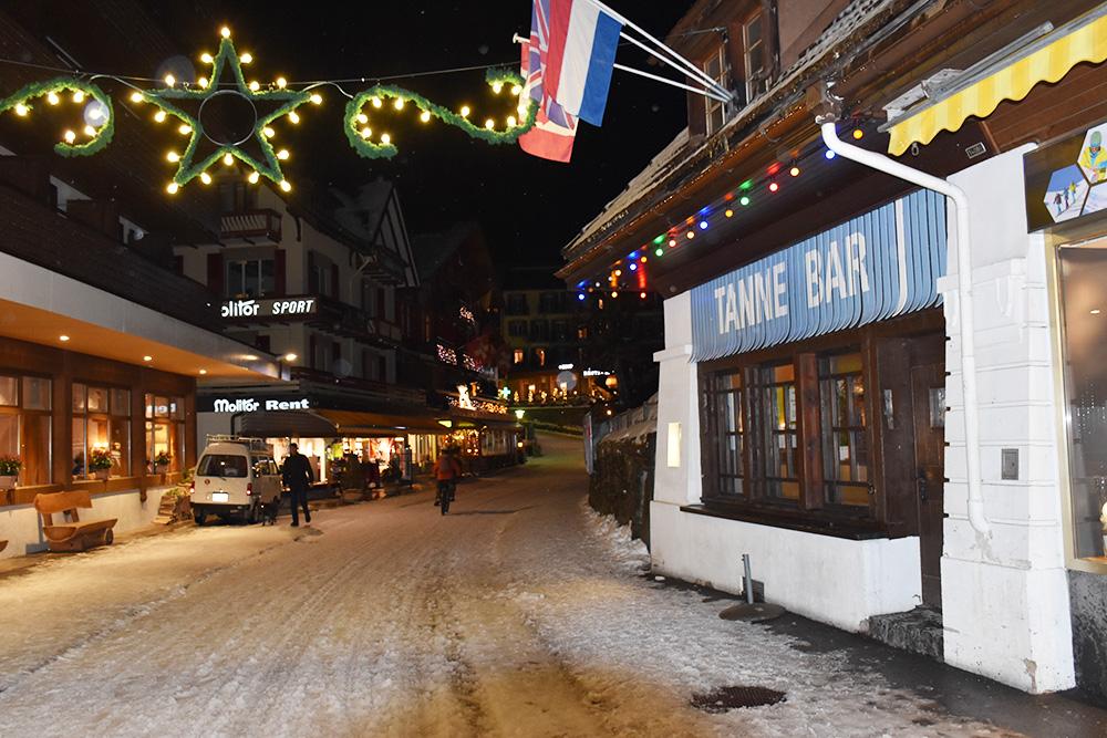 Reisetipps Wengen unterwegs mit Jack Daniel's Tanne Bar in Wengen