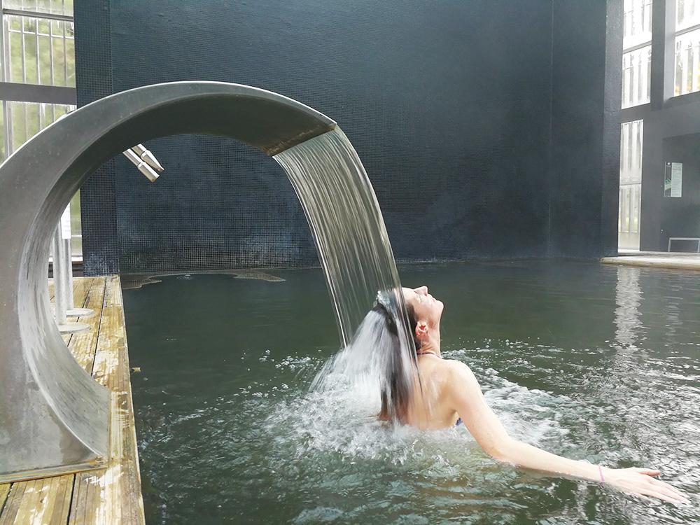 Hoteltipp Furnas Boutique Hotel São Miguel Azoren Wasserfall im Pool