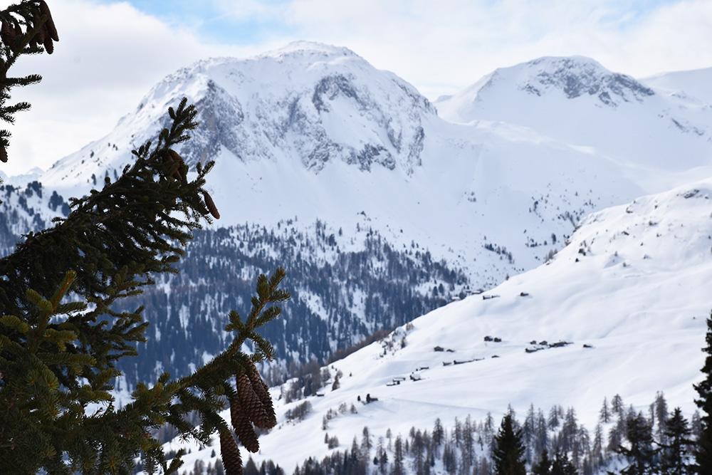 Hoteltipp Mathon Graubünden Pensiun Laresch Aussicht Naturpark Beverin