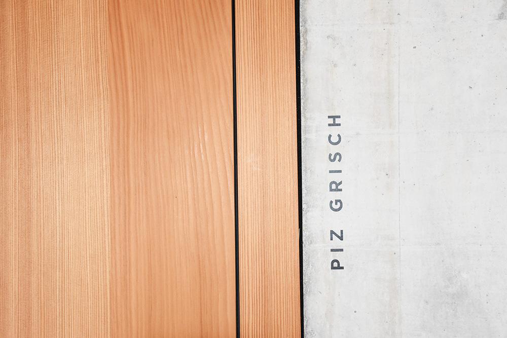 Hoteltipp Mathon Graubünden Pensiun Laresch Beschriftung der Zimmer