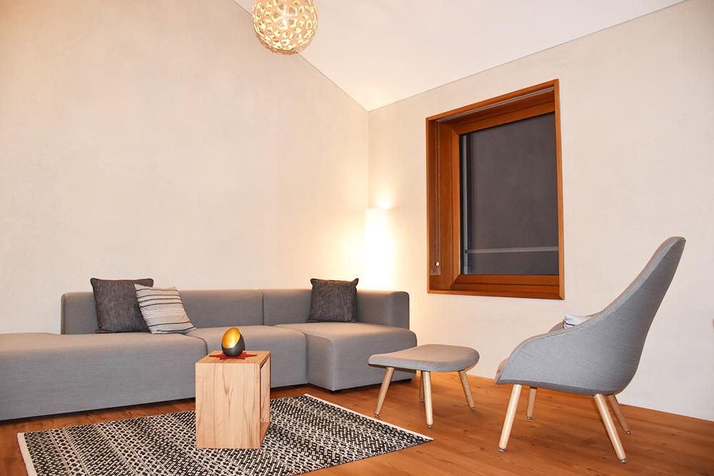 Hoteltipp Mathon Graubünden Pensiun Laresch Sofa Lodge Suite