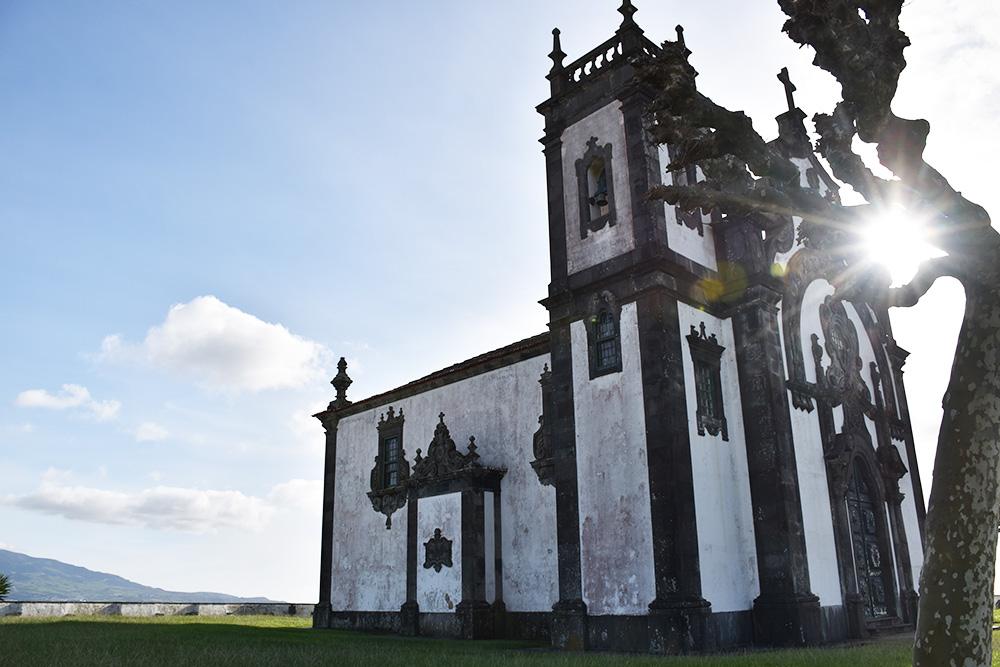 Azoren mit Kleinkind Erma da Mae de Deus in São Miguel