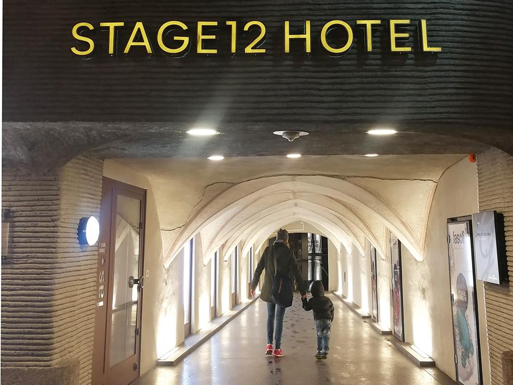 Hoteltipp Innsbruck STAGE12 Hotel by Penz Durchgang von der Fussgängerzone