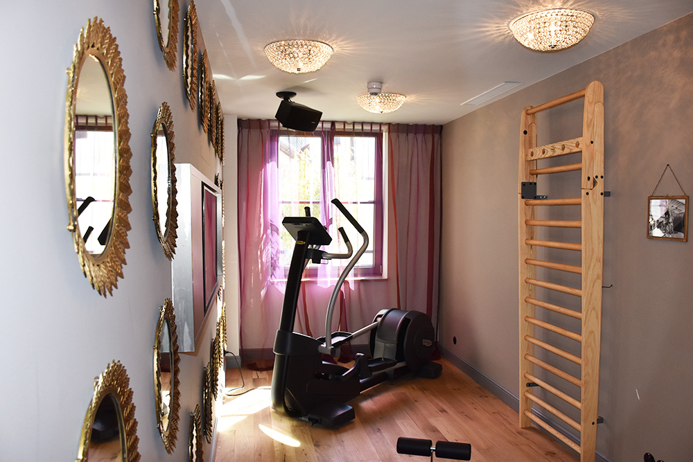 Hoteltipp München 25hours Hotel The Royal Bavarian Fitnessraum