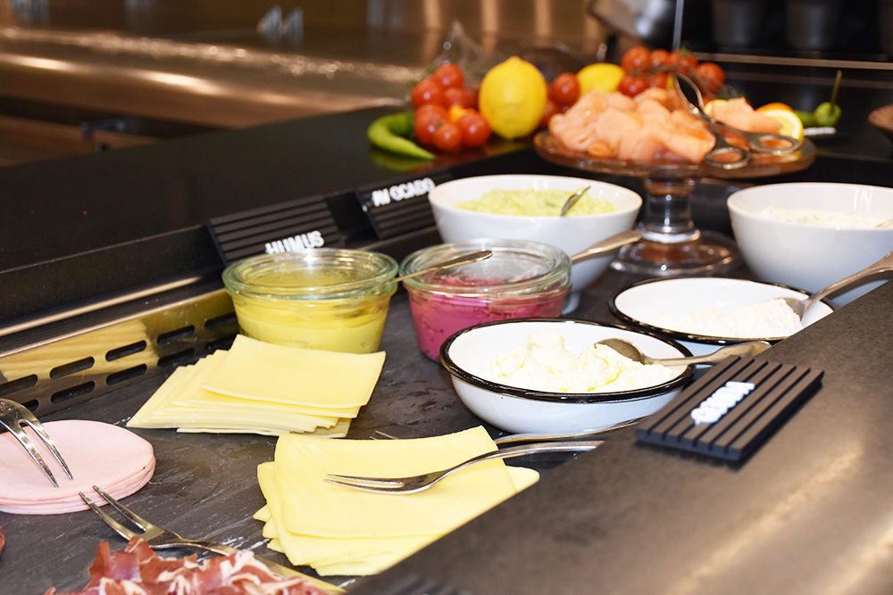 Hoteltipp München 25hours Hotel The Royal Bavarian Frühstücksbuffet
