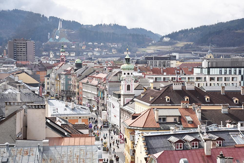 Reisetipps für Innsbruck Blick vom Stadtturm über Innsbruck