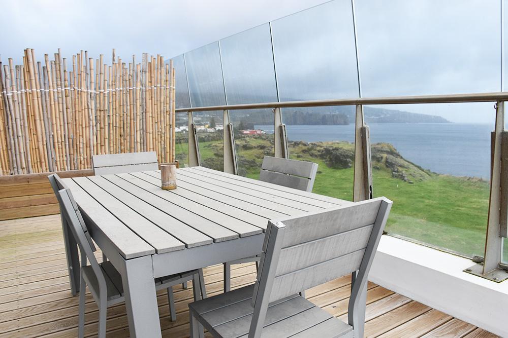 Appartement auf den Azoren Santa Barbara Lodge Balkon mit Aussicht über das Meer
