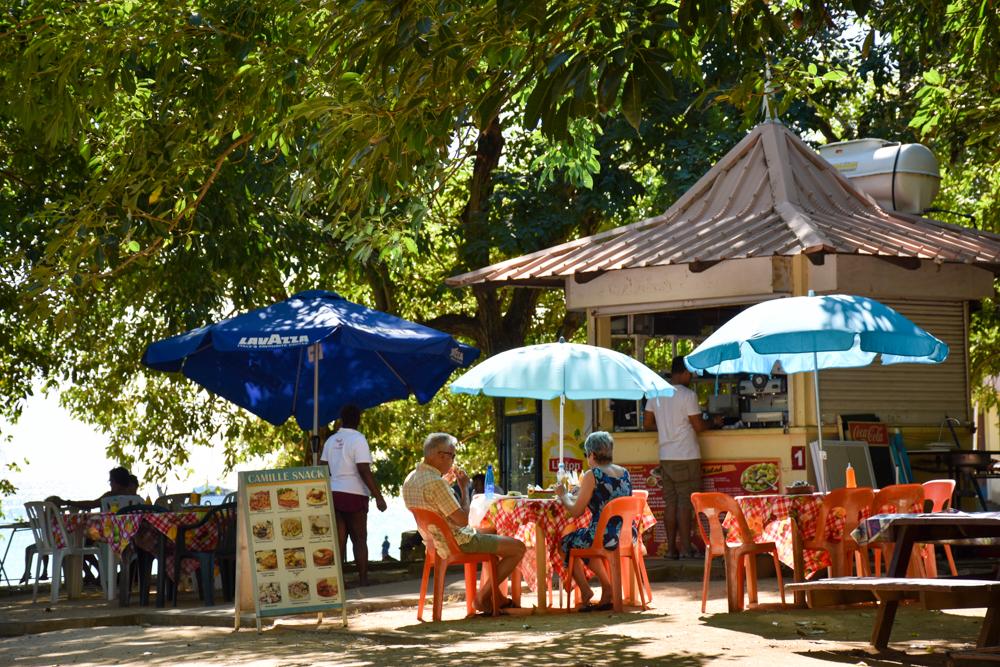 Restauranttipps Mauritius kleine Buden mit Blick aufs Meer