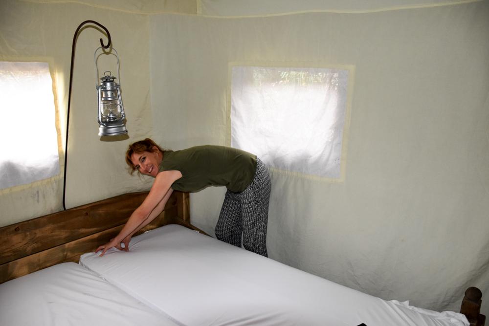 Glamping Gower Peninsula Wiesenbett Hillside Farm Betten anziehen Lodge Zelt