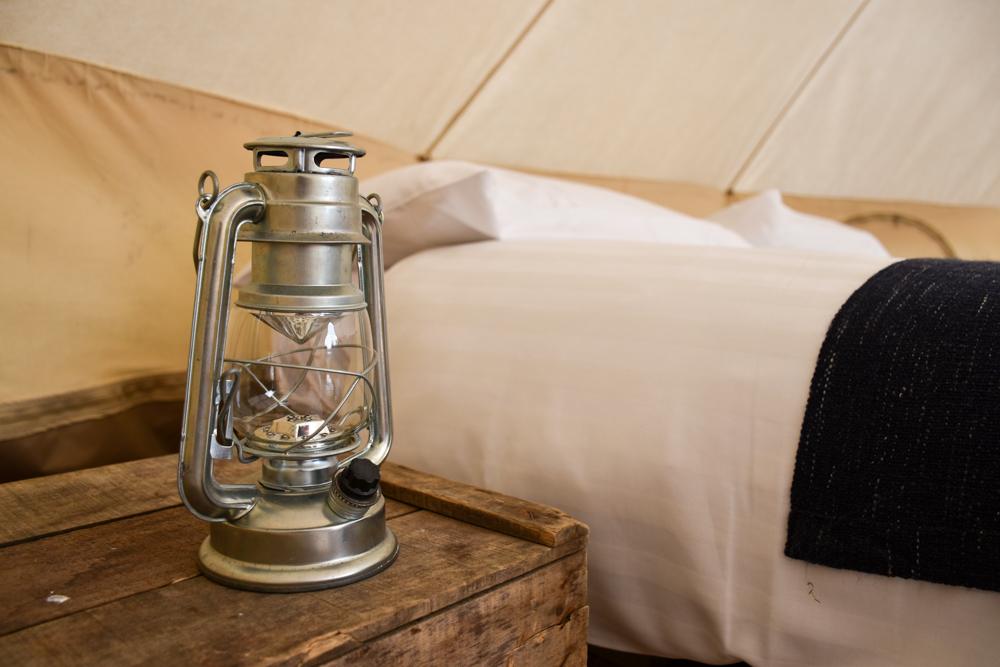 Glamping Wales Tipps Bett im Bell Tent